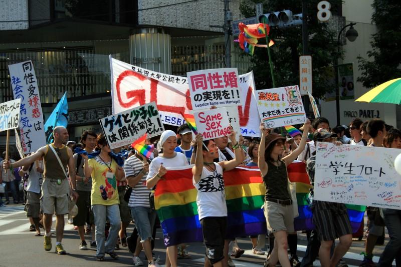 東京プライドパレードの様子。FlickrユーザーのDavid Martín Clavoにより2011年に撮影されたもの。